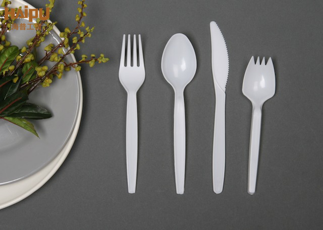 Are plastic cutlery toxic? How to choose plastic cutlery